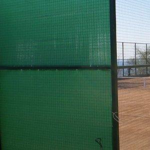 Фон теннисный противоветровой 80%