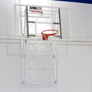 Ферма баскетбольная вертикально-подъемная к стене