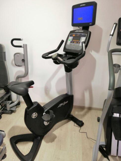 Реставрированный тренажер велотренажер Life Fitness 95C Achieve