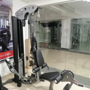 Реставрированный тренажер мультистанция, фитнес станция Hoist V5